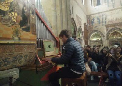 04 MATTIA AL ÓRGANO DE LA CAPILLA DORADA